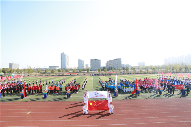 安徽新东方学子在合肥高教基地田径运动会展露风采