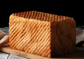 <b>奶香面包</b>