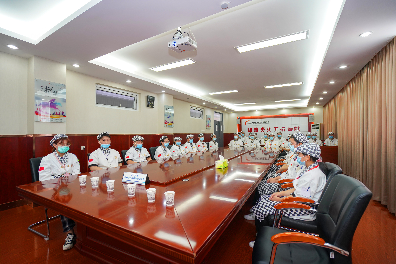 就业喜讯!杭州东哥餐饮管理有限公司前来我校开展招聘会!